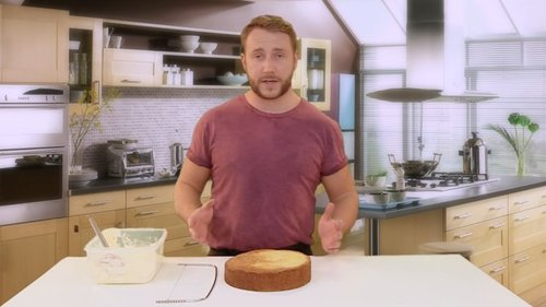 Top tips for icing a cake using buttercream