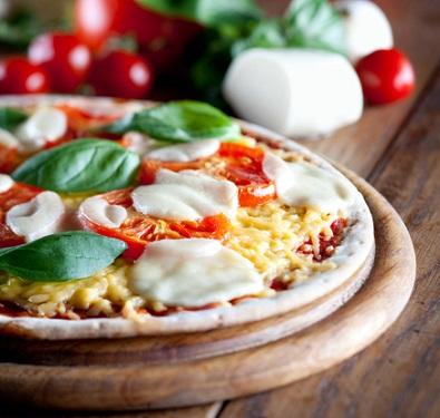 Easy pizza margherita