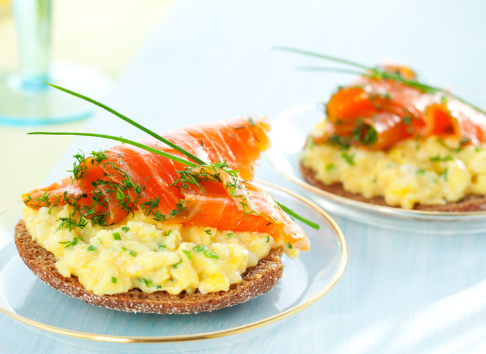 Scrambled eggs and smoked salmon on soda toast