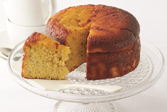 Flourless orange and rosemary cake