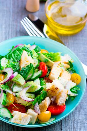 Grilled panzanella salad