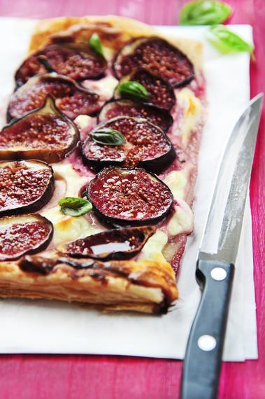 Fig, mascarpone and honey tart