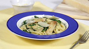 Creamy pork and spinach spaghetti