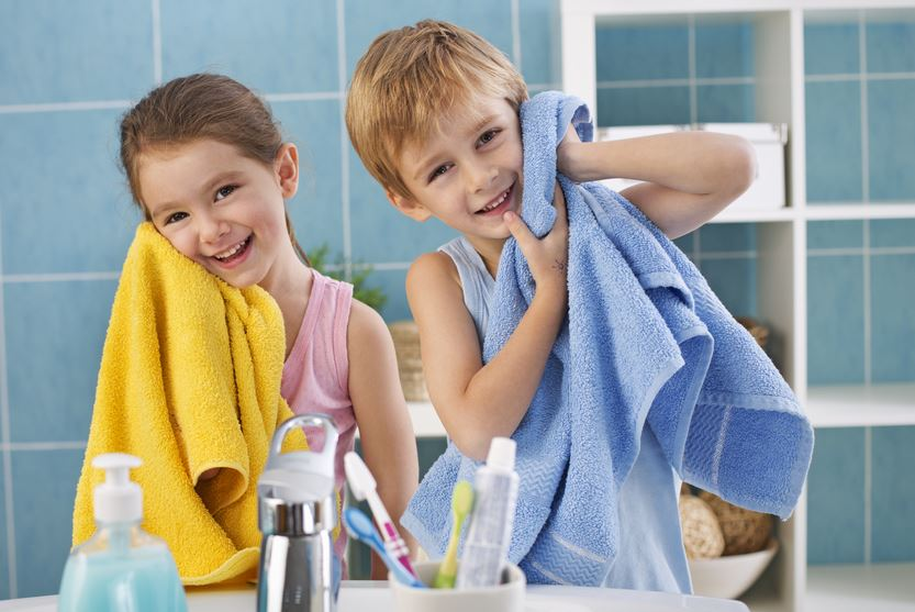 Картинки дети моют лицо