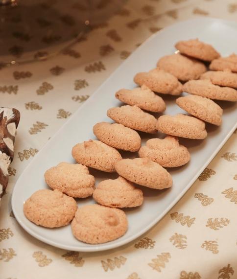 Amaretti biscuits by Catherine Fulvio