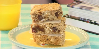 Date and oat slice