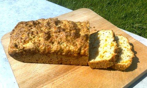 Cheddar & thyme bread