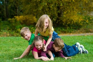 Boisterous play: How to make sure everyone has healthy fun
