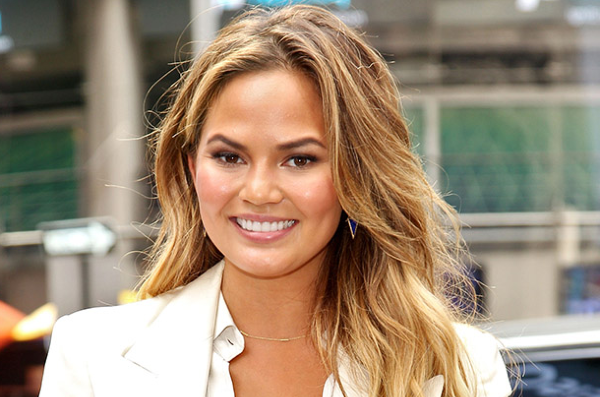 Chrissy Teigen opens up about her pregnancy complications and placenta issues