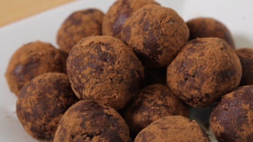 Chocolate peanut butter power balls