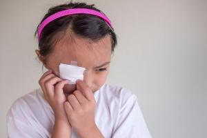HUGE increase in kids suffering eye burns from laundry detergent pods