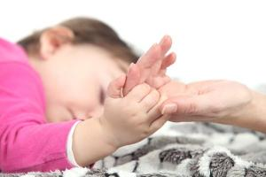 5 tips to help your teething toddler sleep better