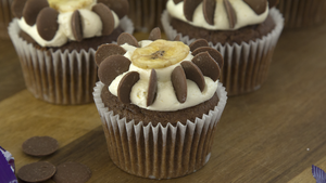 Buttons Banana Flower Cupcakes