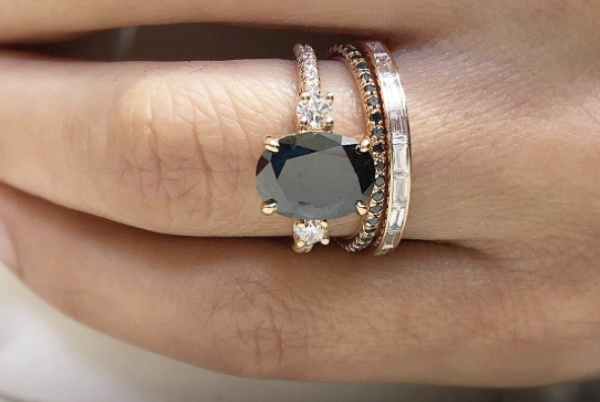 9e6337fdd08411 LOVE! Black diamond engagement rings are the latest wedding...