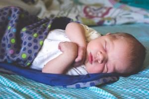 Sleeping beauties! 9 tips to keep your baby safe while they sleep