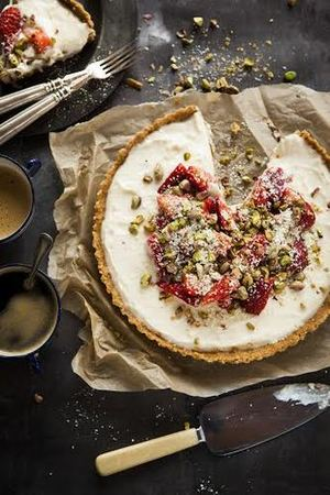 Strawberry, ricotta and white chocolate tart