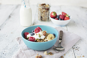 Granola with fresh berries and natural yoghurt