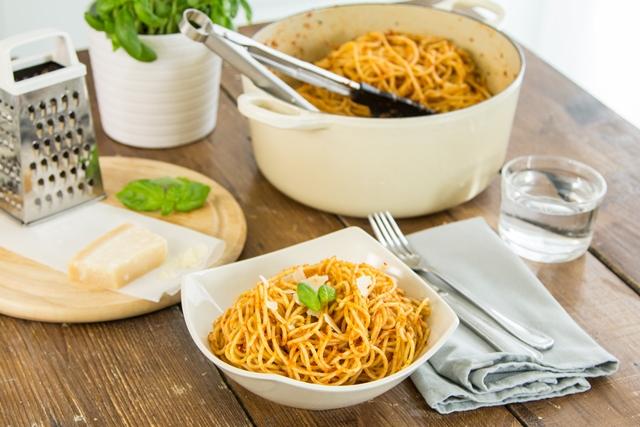 Red pesto with spaghetti
