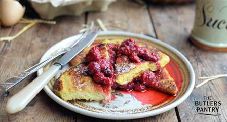 French toast with raspberries and vanilla